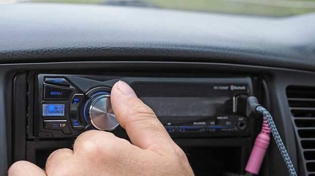 Топ-5 опасных песен для вождения определили ученые