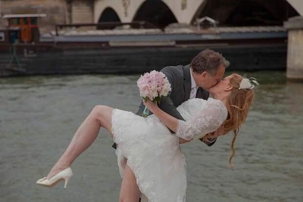 Любовь на повторе: помогает ли воссоздание свадьбы сохранить брак?