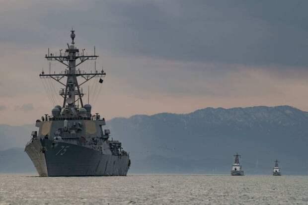 Крым встречает эсминец США залпом береговых батарей
