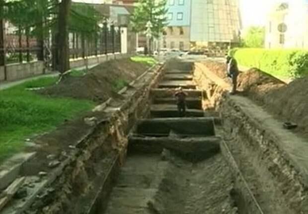 Археологи раскопали рязанскую ливневку XVIII века