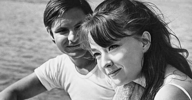 Июльский дождь и ностальгия: 35 светлых советских фильмов о лете