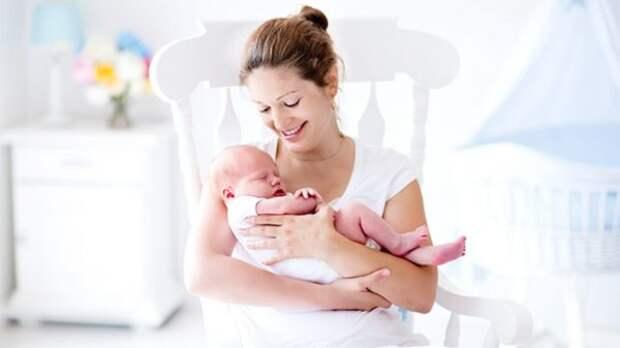 Первый месяц жизни: не только сон, но и развитие
