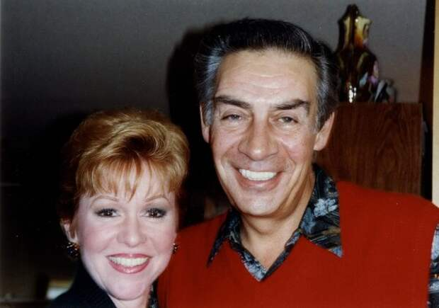 С женой Эллейн