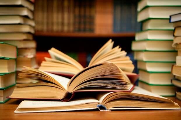 «Большая книга» против «Букера». Кто кого?