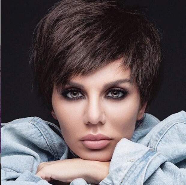 Анна Седокова в новом образе напомнила фанатам Анджелину Джоли