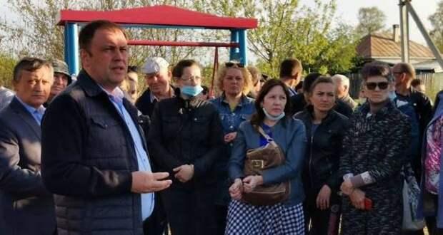 Мэр Кемерова пообещал жителям поселка Улус решить проблему водоснабжения
