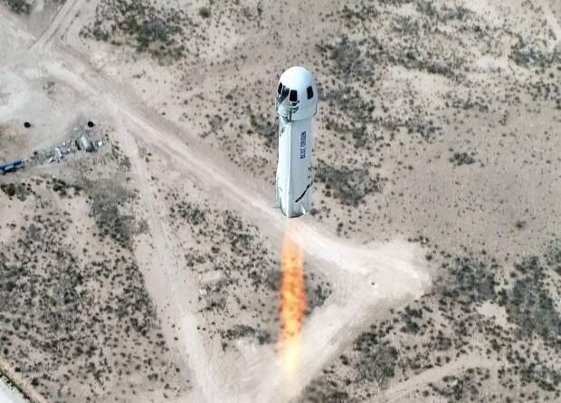 Blue Origin впервые запустит New Shepard с людьми на борту в июле