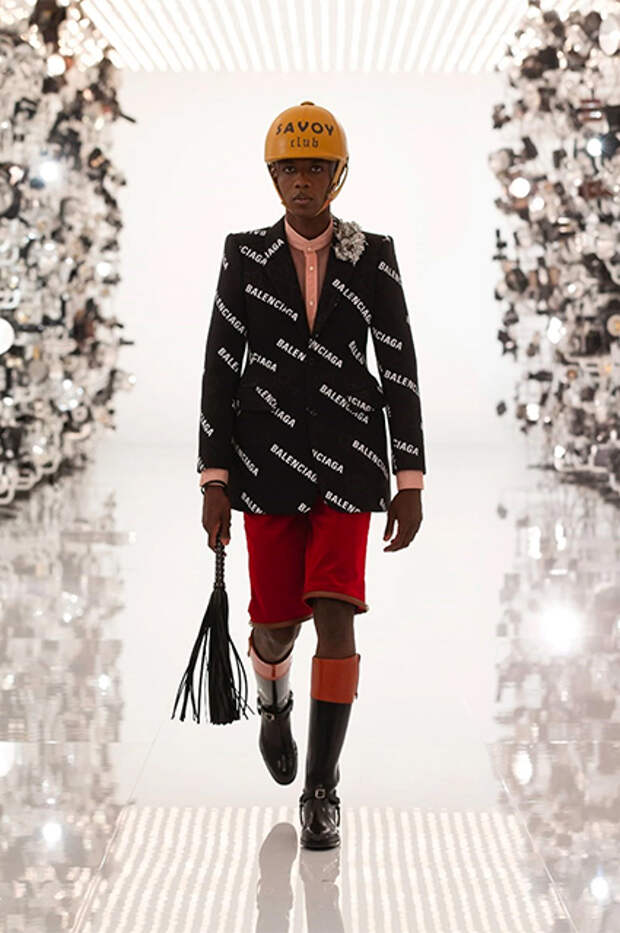 """Модный дайджест: от """"коллаборации"""" Balenciaga и Gucci до новостей о Met Gala"""