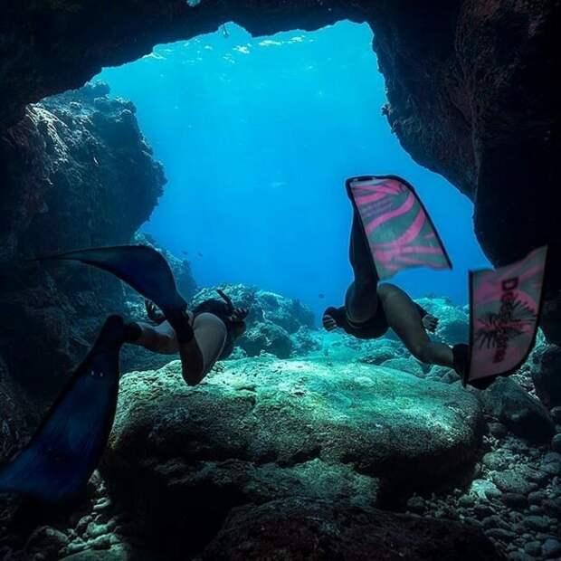 «Большой исиний океан»: фотограф-фридайвер показал удивительную серию подводных кадров