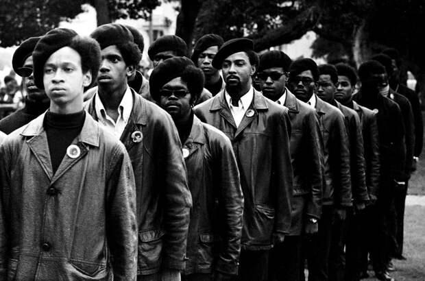 Социальные конфронтации в США 1960-х - 1970-х годов: Леворадикальная Партия черных пантер   (24)