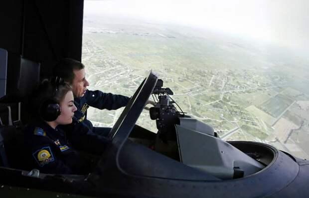 Первые летчицы