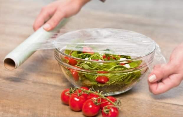 10 оригинальных применений обычной пищевой плёнки