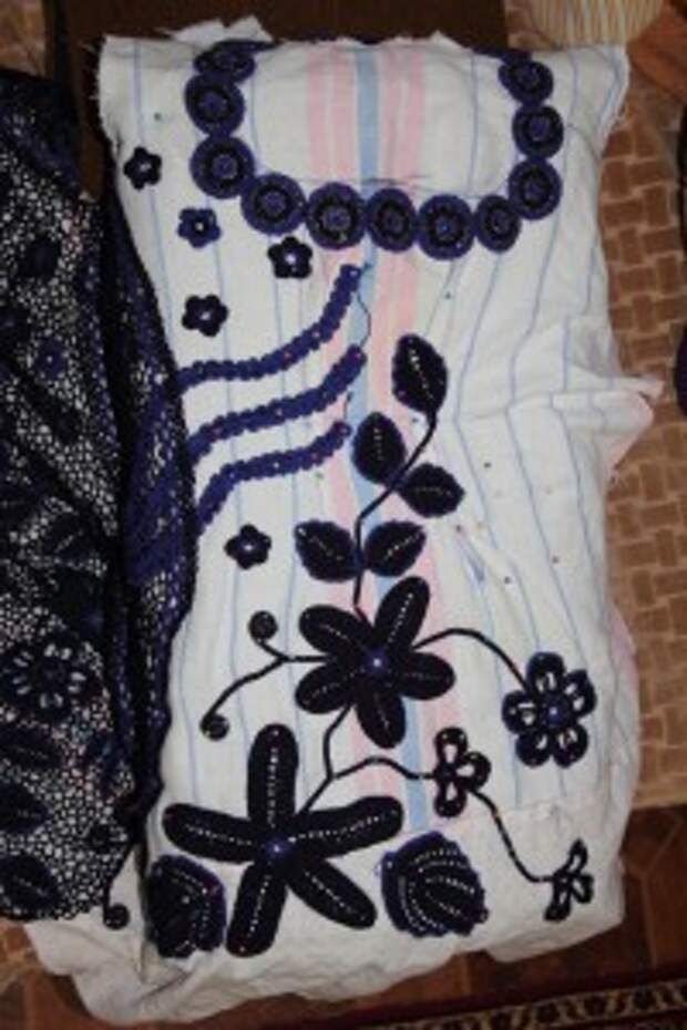 платье из наборного кружева
