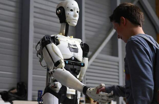 Киберфилософия: зачем робот часами разговаривал сам с собой
