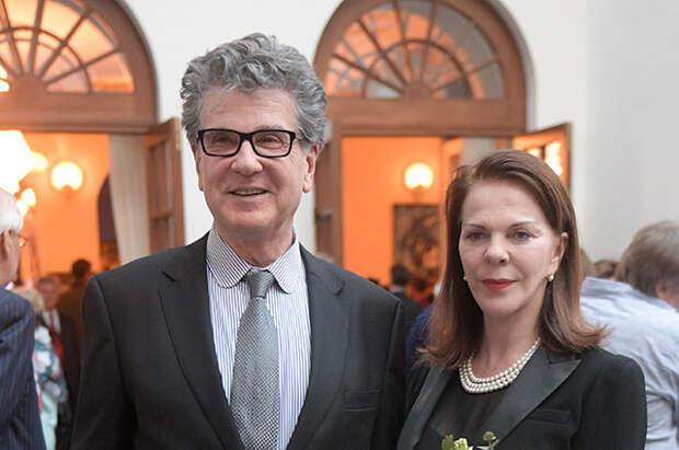 Игорь Костолевский с супругой Консуэлой де Авиланд.