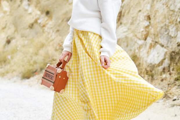 Мода-2020: с чем носить желтую юбку