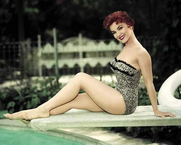 Роковая красавица 1950-х годов Дебра Пейджит