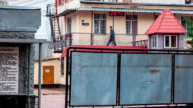«Новая газета» опубликовала новые видео пыток вярославской колонии. Один иззаключённых умер