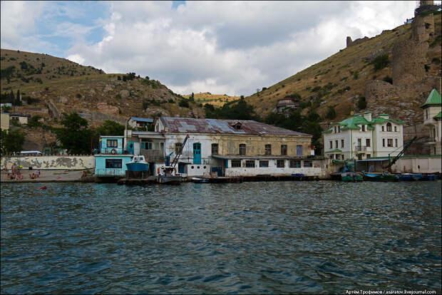 Красота и убожество крымского побережья…