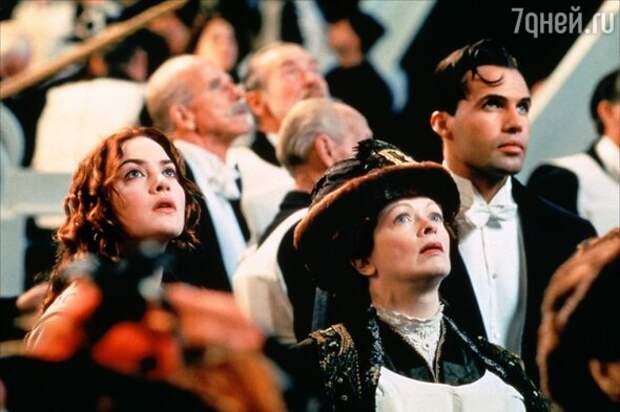 Затонул, но доплыл до кассы: «Титаник» – идеальный блокбастер на все времена