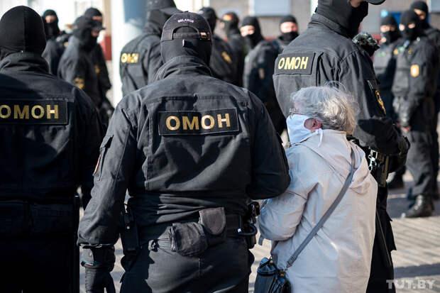 Власти Белоруссии обнародовали имена поддержавших митинги силовиков