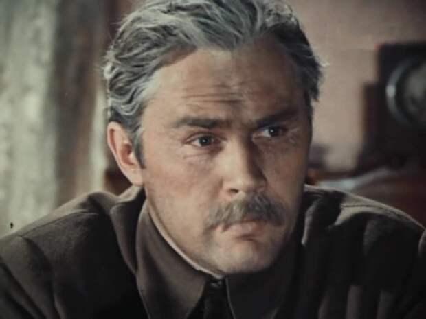 Валерий Хлевинский в роли Антона Савельева | Фото: kino-teatr.ru