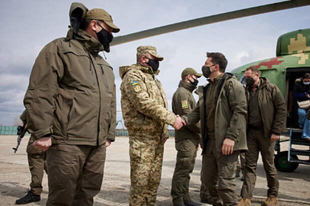 Зеленского во время поездки в Донбасс назвали «неслужившим уклонистом»