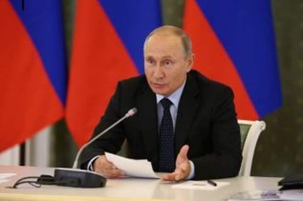 """7-10 минут полёта ракеты до РФ: Путин о перешедшей """"красной линии"""" Украины"""