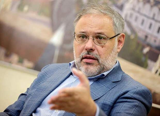 Михаил Хазин предупредил о готовящемся бунте элиты против Путина