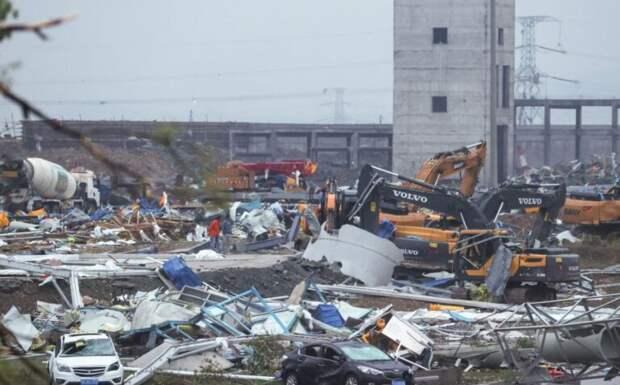 Жертвами торнадо в китайском Ухане стали как минимум шесть человек