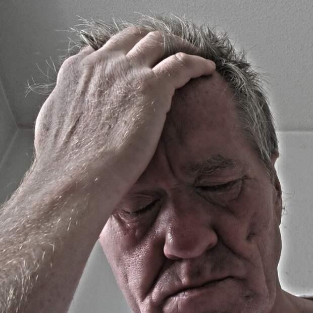 Головная боль и головокружение - наиболее частые симптомы отравления угарным газом