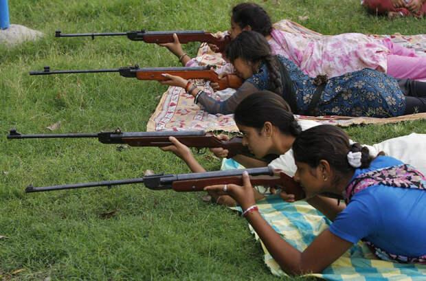 Женщины в Индии — грозная сила!