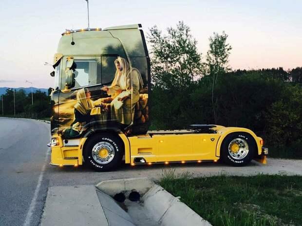 Болгарский тюнинг грузовика с религиозным мотивом, первая в стране SCANIA S730 с Иисусом