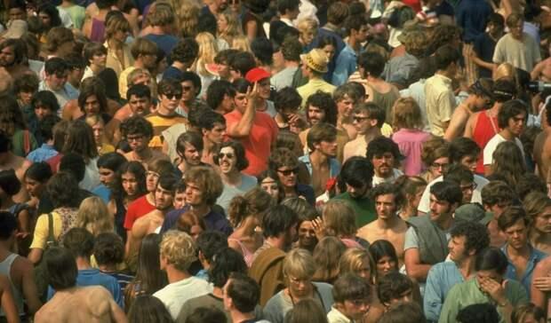 11 атмосферных фото с рок-фестиваля «Вудсток», который посетило полмиллиона человек