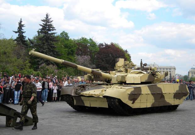 Украинский танк «Оплот» сломался на репетиции парада