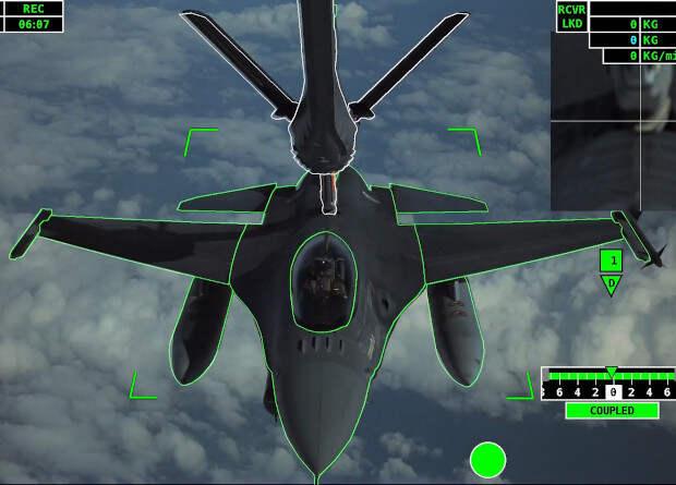 Европейцы испытали полностью автоматическую воздушную дозаправку самолетов