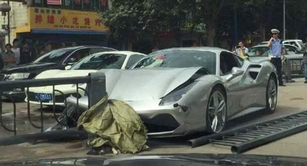 Только в Китае, часть 2: «встретились» два Ferrari