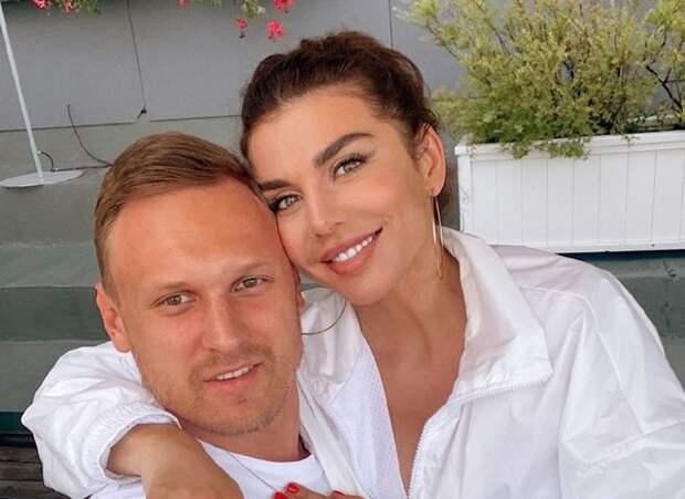 """Седокова объяснила мотив свадьбы с Тиммой: """"Мы поженились из-за документов"""""""