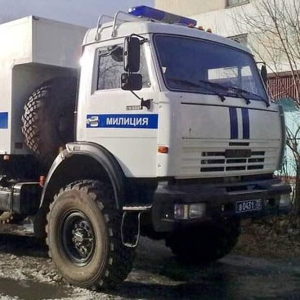 В Москве освятили автозаки для перевозки заключенных