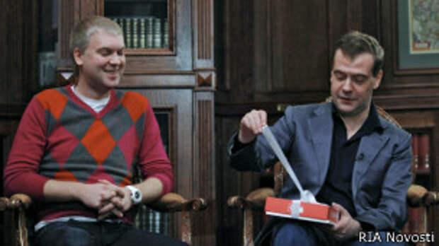 Чиновникам в России позволили выкупать дорогие подарки