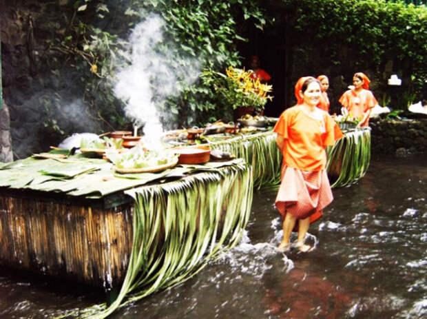 Ресторан в водопаде