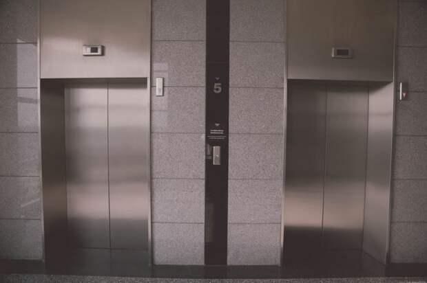 Из лифта дома на Нижней Масловке убрали зеркало