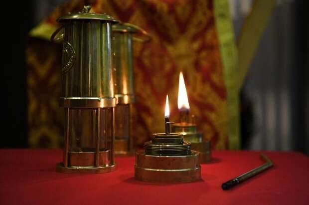 В Россию доставлен Благодатный огонь
