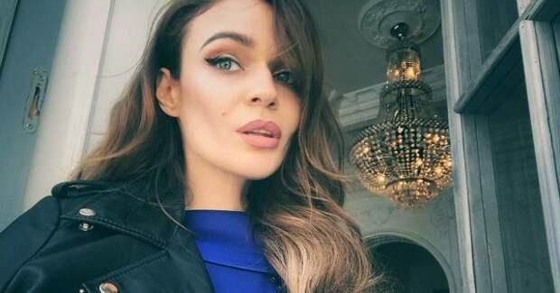 """Алена Водонаева пришла на свадьбу друзей в образе ночной бабочки из фильма """"Красотка"""""""