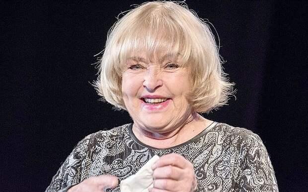 Бывшая советская актриса свихнулась на почве украинского национализма