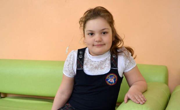 100 тысяч рублей получит маленькая обчанка, спасшая тонущую подругу