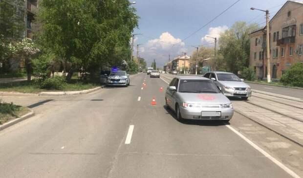 В Новотроицке 6-летняя девочка на самокате попала под колеса автомобиля