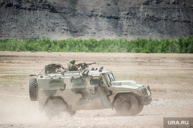 Американцы протаранили российскую бронемашину в Сирии