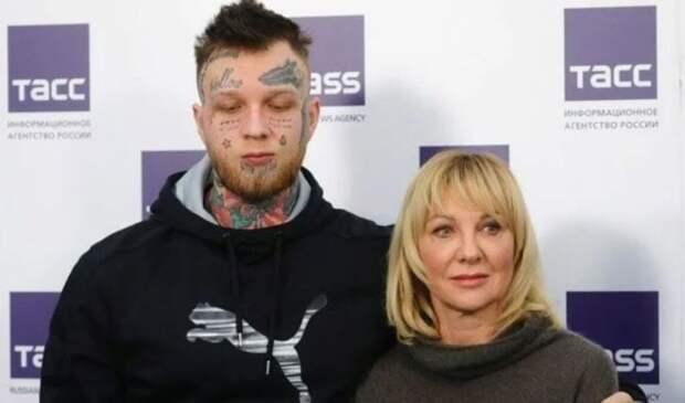 Сын актрисы Яковлевой рассказал, что живет на деньги родителей