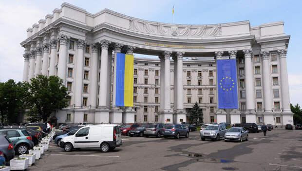 Здание МИДа Украины в Киеве. Архивное фото